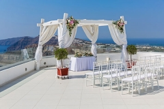 Picturesque-place-for-the-wedding-celebration-of-the-sea-in-the-background,-Greece