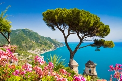 Scenic-picture-postcard-view-of-famous-Amalfi-Coast-with-Gulf-of-Salerno-from-Villa-Rufolo-gardens-in-Ravello,-Campania,-Italy